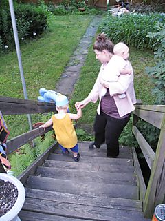 Maren_kids_steps