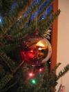 Ball_on_tree_small